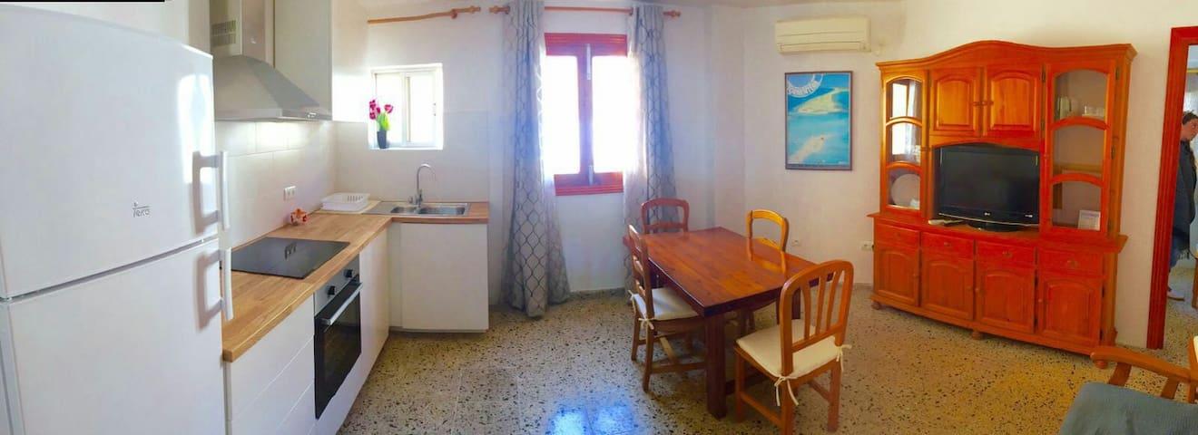 Bonito apartamento y bien ubicado - Sant Ferran de Ses Roques - Huoneisto