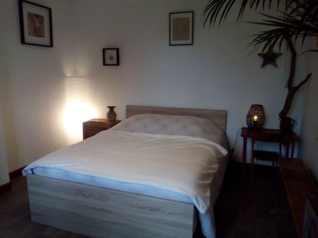Chambre confortable chez l'habitante - Belle-Isle-en-Terre