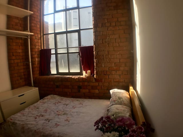 Double Room in a Loft Style Apartment - Liverpool - Pis
