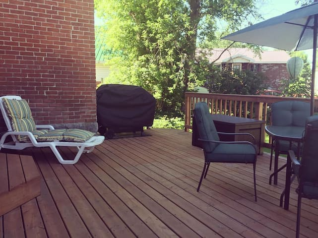 The Guest House, Chesterville - close to Ottawa! - Chesterville - Huis