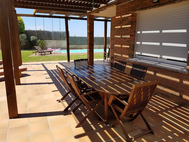 Summer house with swimming pool - Calafell - Huis