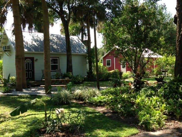 Eaden Cottage on the East Coast - Titusville