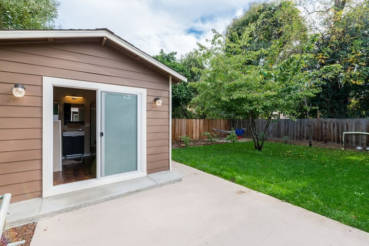 Private Tiny House, Bike to Stanford/FaceB/Goog/VA - Menlo Park - Kabin