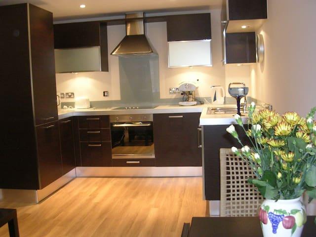 One bedroom apartment in Epsom Centre - Epsom - Apartemen
