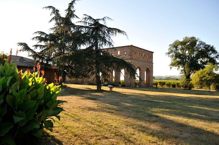 Eco gîtes de charme près de Toulouse - Cintegabelle - Doğa içinde pansiyon