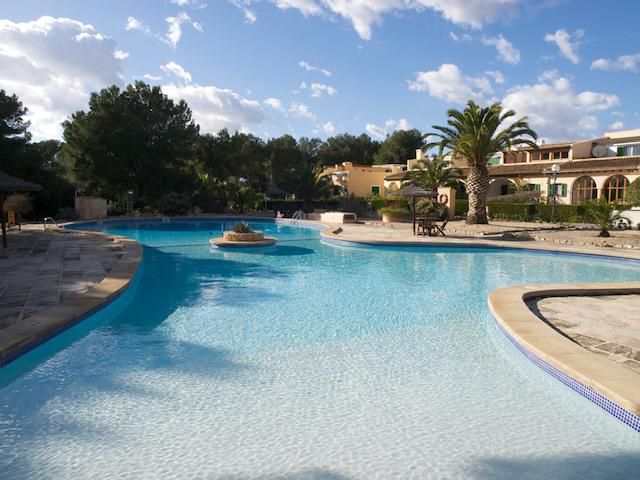 House1 near sea with pool - Campos - Hus