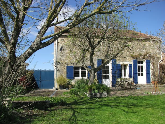 Deux chambres au coeur du village - Civrac-en-Médoc - Bed & Breakfast