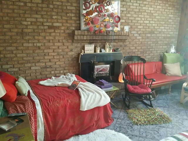 Vibrant yet Relaxing by Fireplace - Farmingville