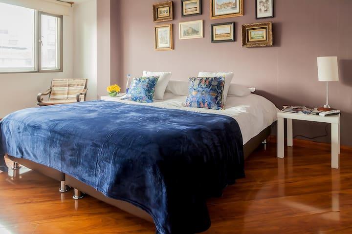 BEST PRIVATE BEDROOM-BATHROOM, BREAKFAST INCLUDED - Bogotá - Lägenhet