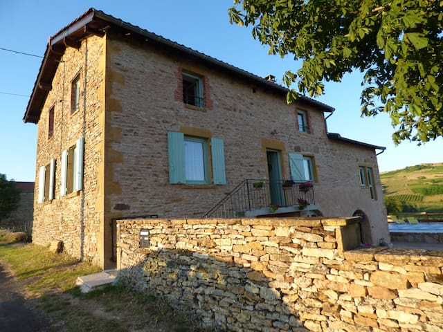 2 ROOMS IN THE HEART OF BEAUJOLAIS - Saint-Laurent-d'Oingt