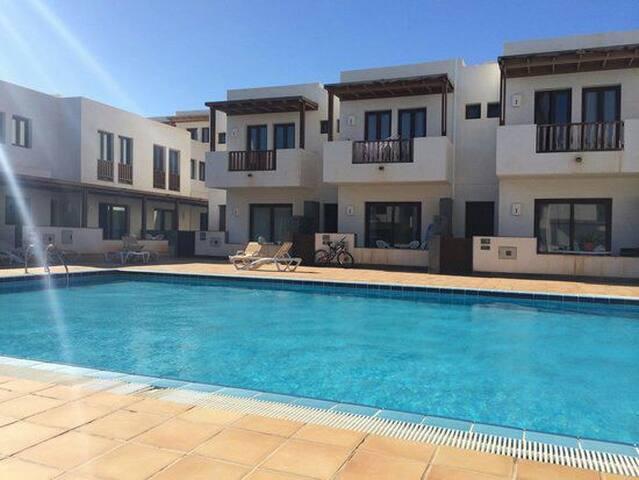 Comfy Duplex in Puerto Calero - Puerto Calero - Hus