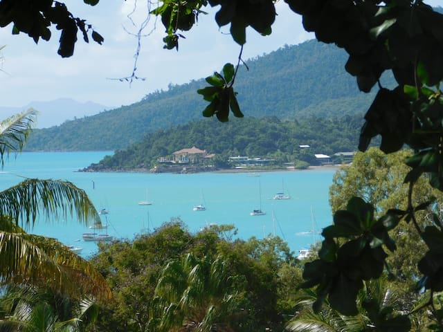 Friendly Guest House Stunning Views - Airlie Beach - Talo