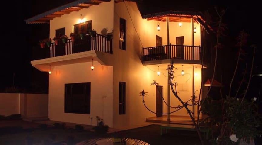 Throwback Villa - Naukuchiatal  - Maison