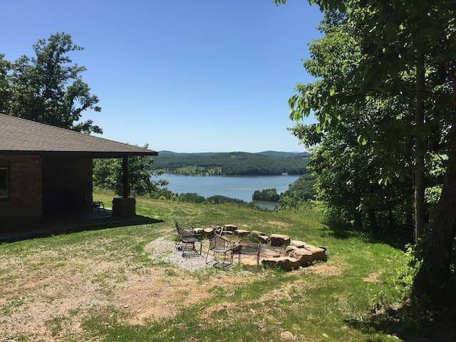 River Ridge Estate: 25 acre private gated retreat - Kingston - Casa