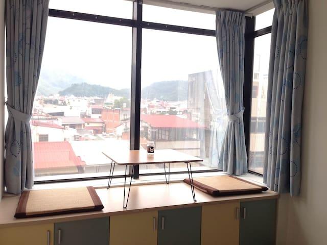 Near bus terminal station 交通超方便近中正路客運總站獨立門戶 - 埔里鎮 - Appartement