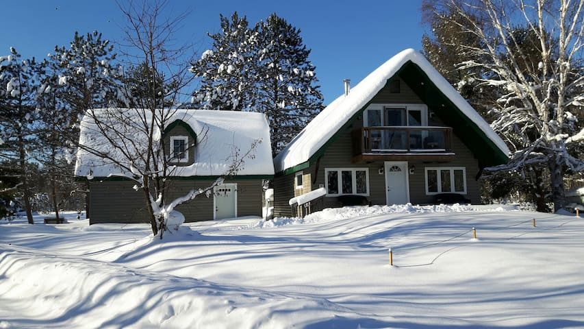 Quiet Country Home - Parry Sound
