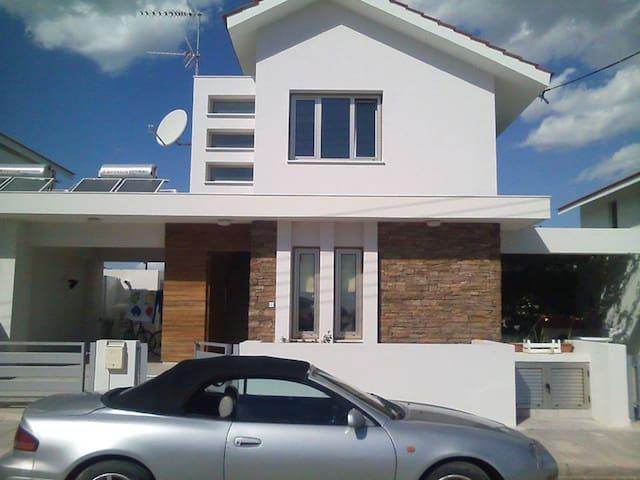 luxury Villa - Larnaca