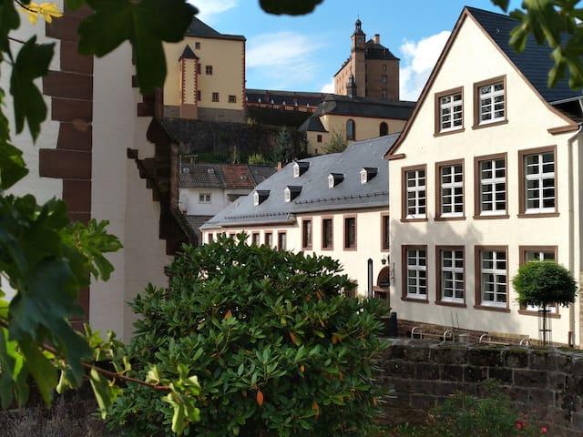 Holidayhome Old School Malberg I - Malberg - Lägenhet