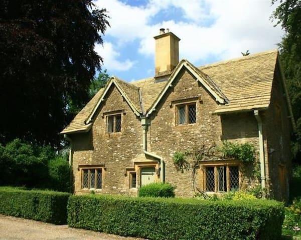The Lodge Cottage - Cheltenham - Hus