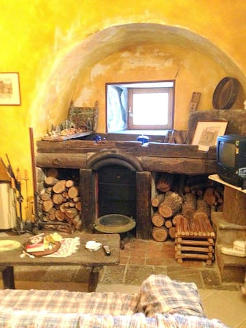 Lovely medieval house in the south of Italy - Savoia di Lucania - Ev