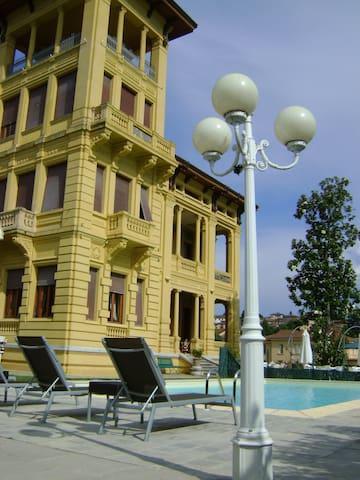 Villa Moorings hotel - Barga - Leilighet