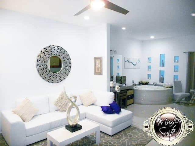 Beautiful Master Suite VIP Servicio Ejecutivo - San Nicolás de los Garza - Casa