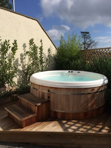 The Hideaway - heavenly holiday home with hot tub. - Dartmouth