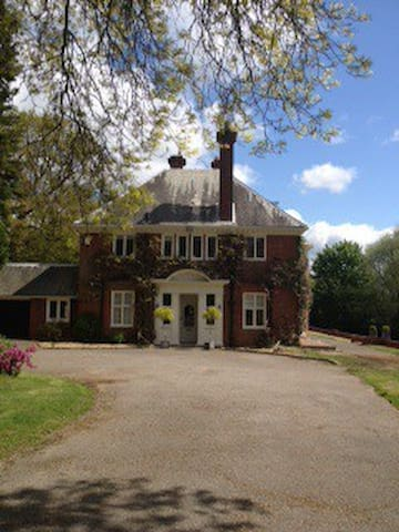 Victorian Country House - East Grinstead - Bed & Breakfast