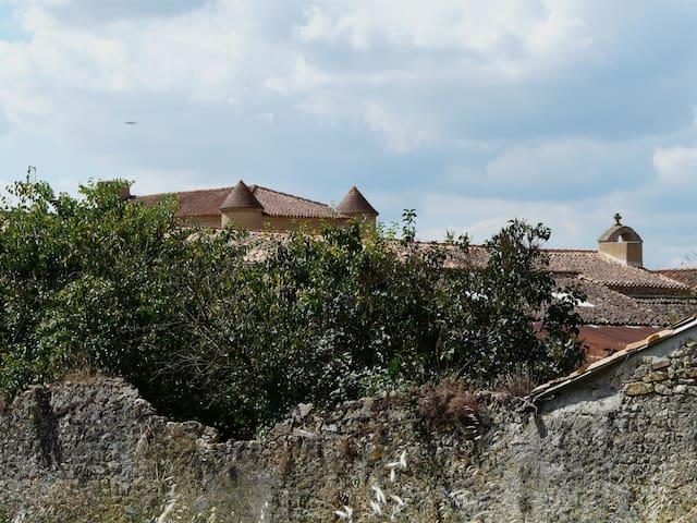 Une chambre à Barroux - Airvault - Casa