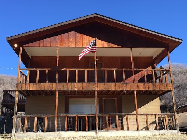 Hunter's Paradise close to Snowskiing Resorts - Meeker - Rumah