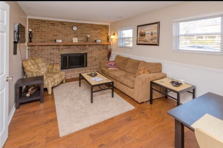 Great Apt close to highway! N INDY - Indianapolis - Appartement