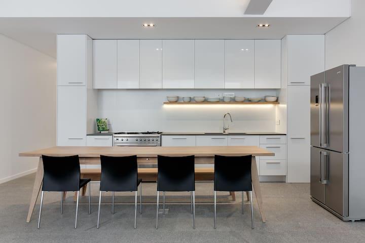 A stunning 2-bedroom city-center apartment! - Ciudad del Cabo - Departamento