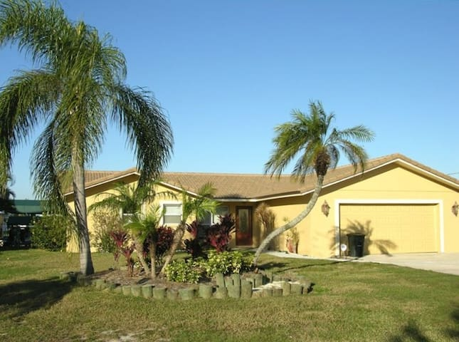 Furnished Waterfront Vacation Home  - Palmetto - Casa