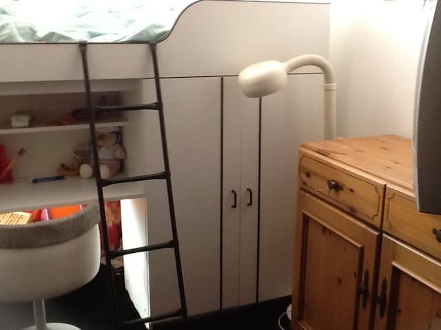 low-budget beds - Rijnsaterwoude