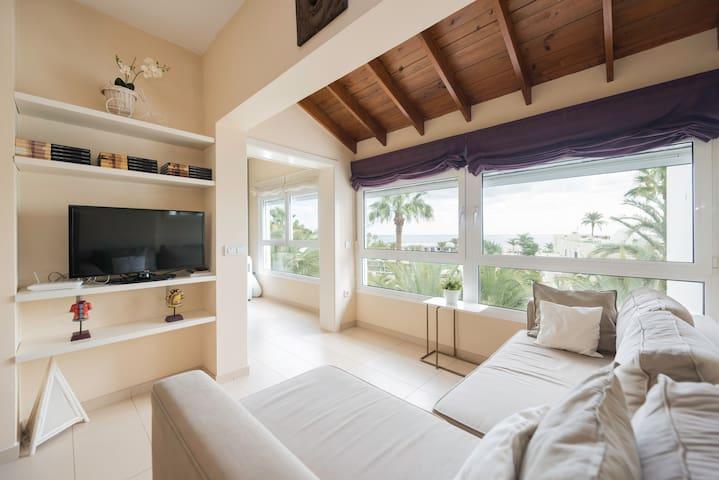 Lägenhet uthyres med utsikt över ha - Las Palmas