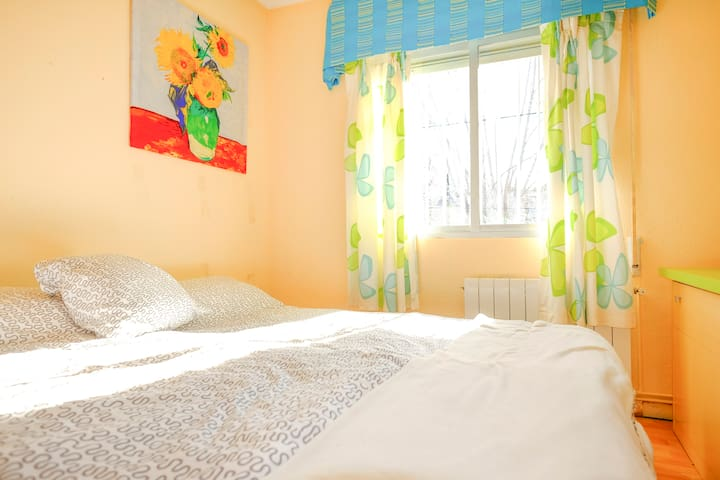 Cozy Chalet in Galapagar - Galapagar - Bed & Breakfast