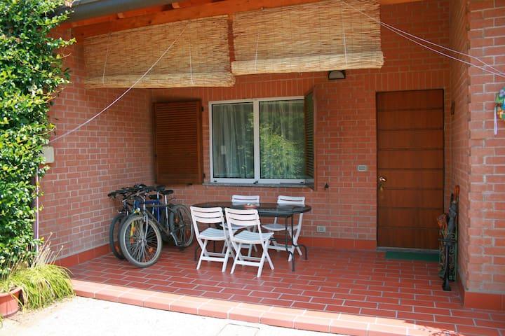 Casa con giardino tra Milano e Como - Carate Brianza - Casa