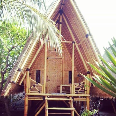 Bale Kampung-Bamboo 2 - Gili Air - Bed & Breakfast