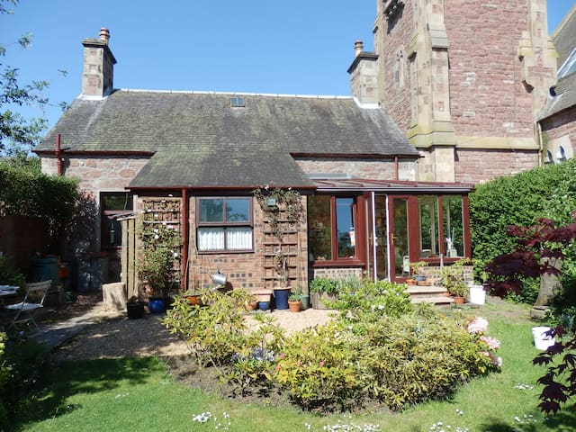 Room in comfortable friendly house - Blairgowrie