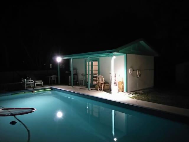Cozy Pool House Close to Beaches - Jupiter - Konukevi