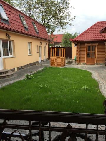 Гарне нове приміщення..окремий вхід - Horodenka - Appartement