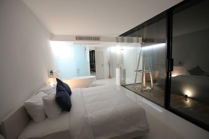 Luxurious Room @ the Q Residences - Bangkok