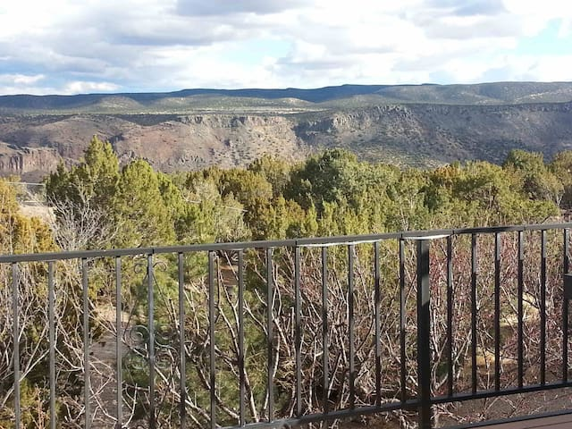 White Rock Canyon is your backyard - Los Alamos - Huis