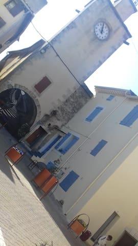 Petite maison de village pr famille monoparentale - Thézan-lès-Béziers - Casa