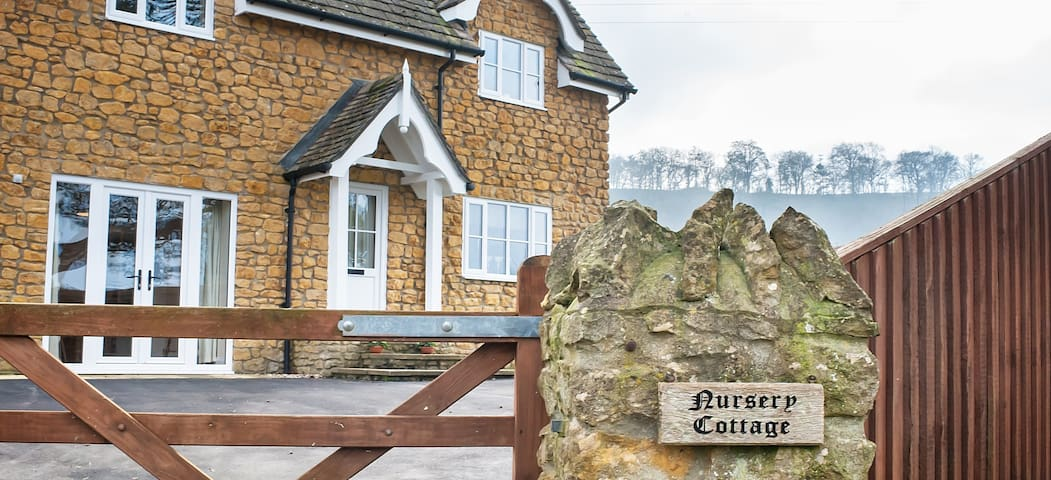 Hygge Country Cottage, easy access to A303. - Compton Pauncefoot - Casa