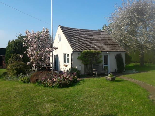 Private detached bungalow - Hibaldstow - Hus