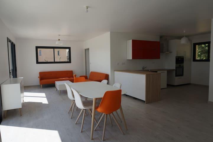 Villa 6 à 10 pers. au coeur de la campagne - Saint-Julien-de-Peyrolas - Tatil evi