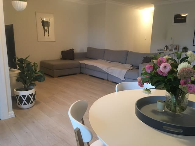 Large Family Apartment Footsteps to Cronulla Beach - Cronulla - Daire