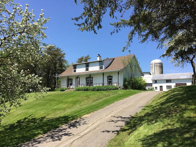 8 bedroom farmhouse Mont Ste Anne - Saint-Joachim - Hus