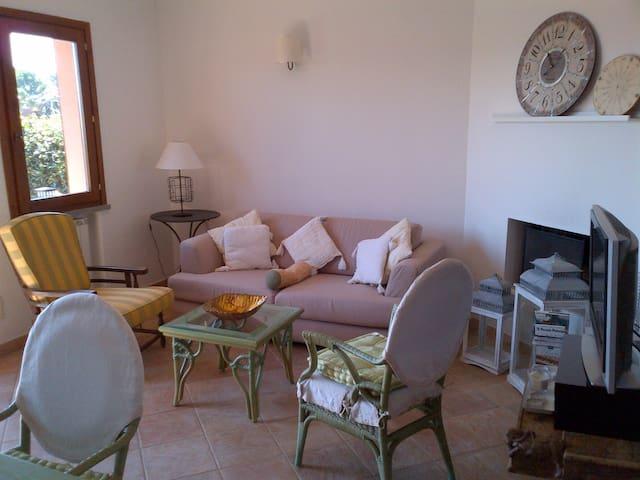 Very cosy- little (2 level) villa - Capalbio Scalo - House